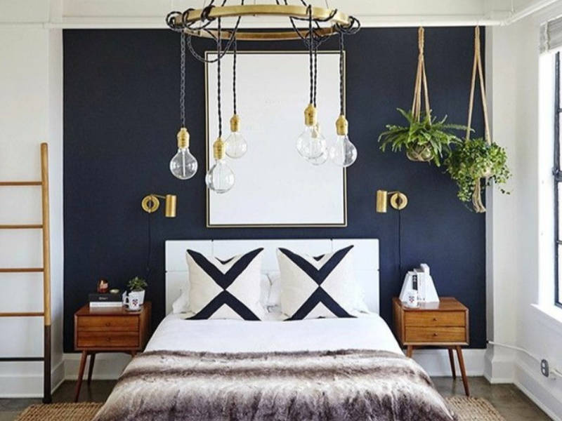 Decorate bedroom with hanging pot.