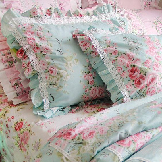 beautiful shabby chic bedroom