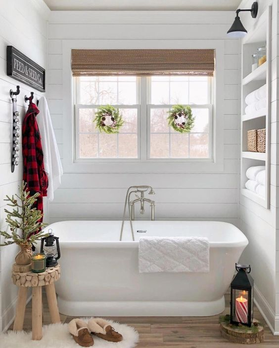 white bathtub for small bathroom
