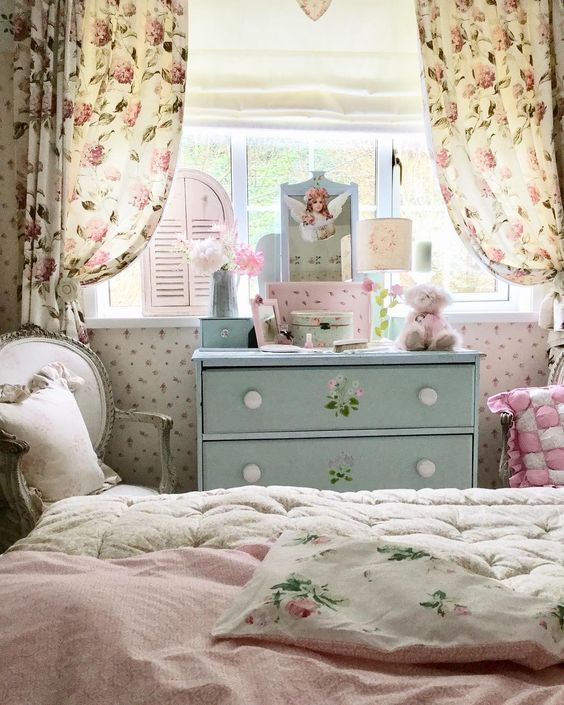 shabby chic bedroom colors