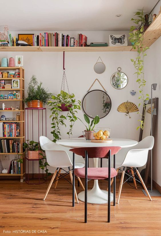 fresh small dining room