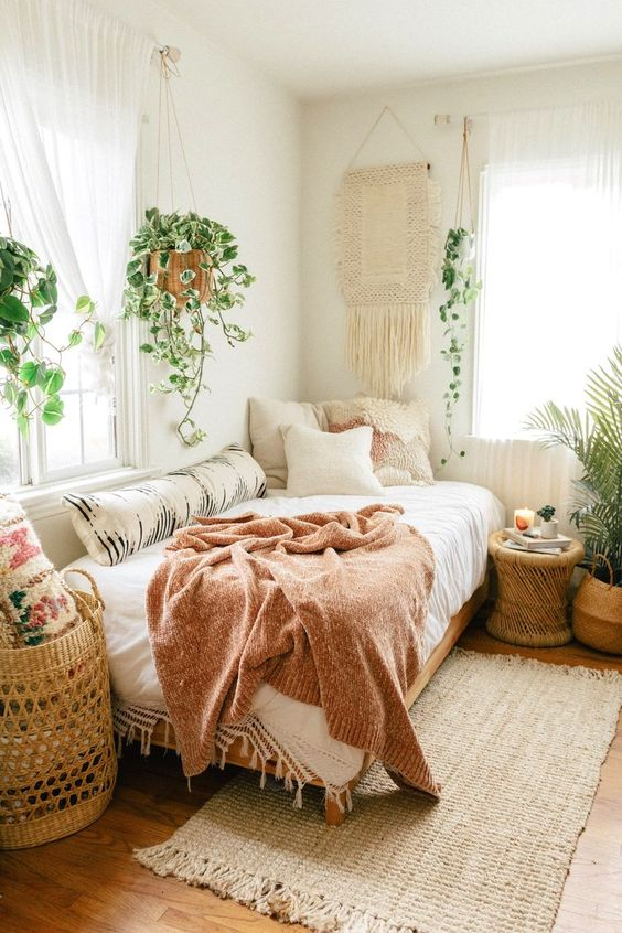 beautiful small bedroom tips