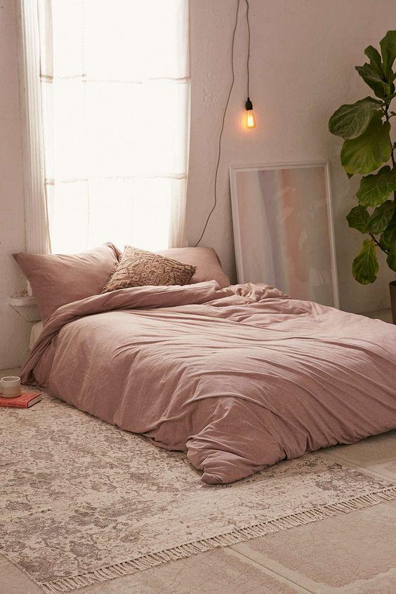 beautiful layered bedding