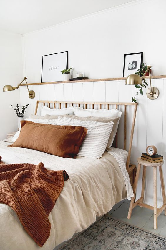 wood elements for cozy bedroom