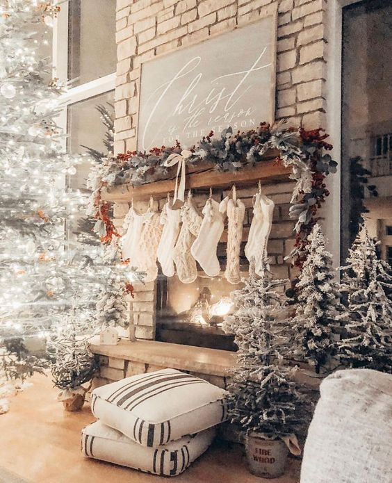 fireplace christmas decors