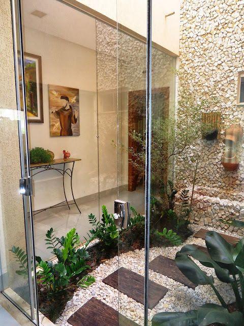 natural stones wall garden