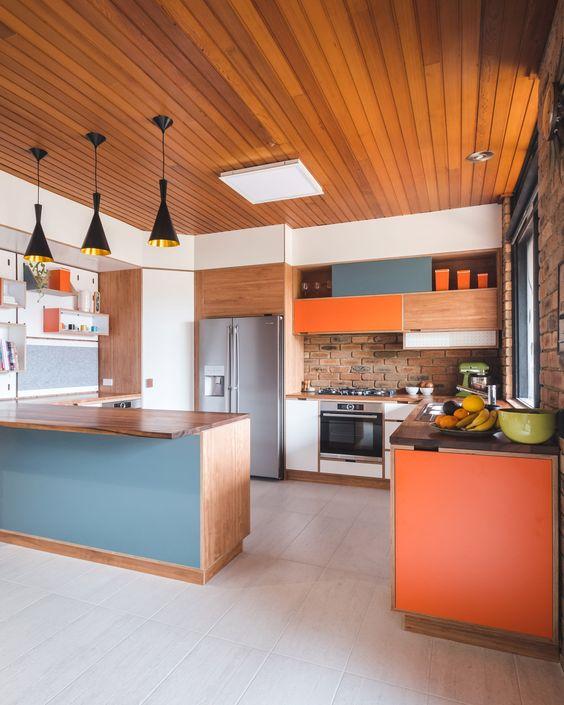 calm modern kitchen decor