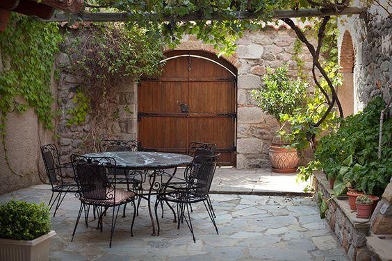 natural stone walls small garden