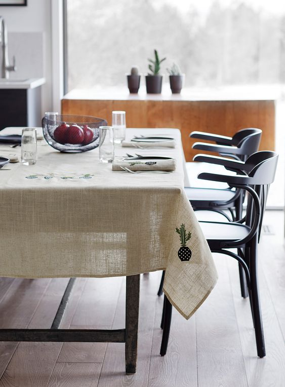 tablecloth for dining table
