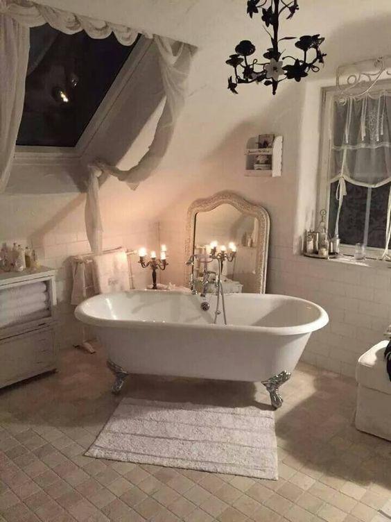 elegant vintage bathroom decor