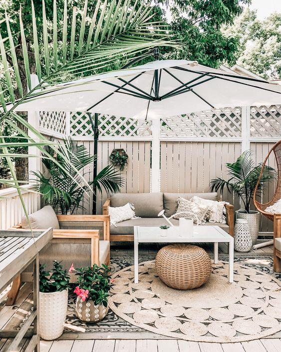 comfortable backyard garden