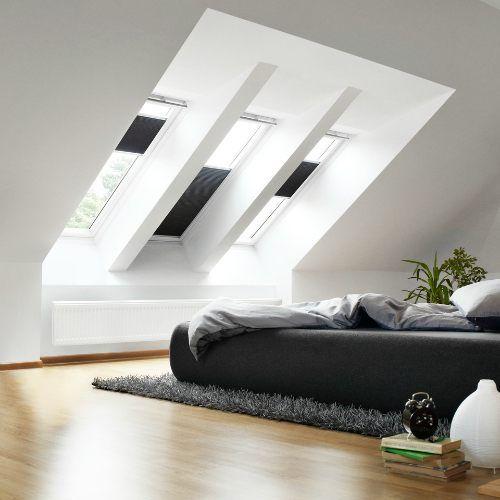 skylihgt window minimalist bedroom