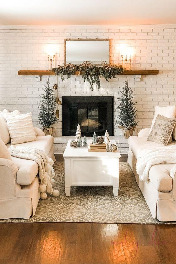 minimalist christmas living room