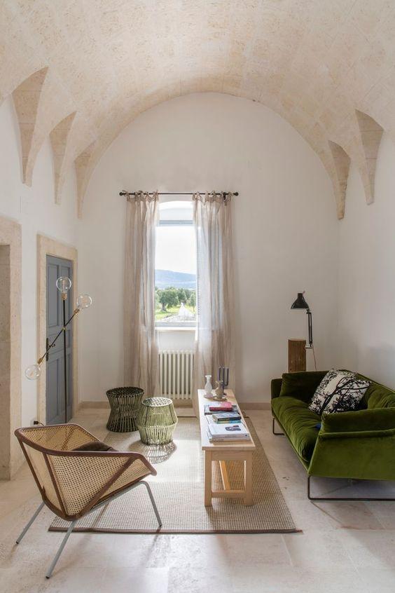 Italian curver ceiling