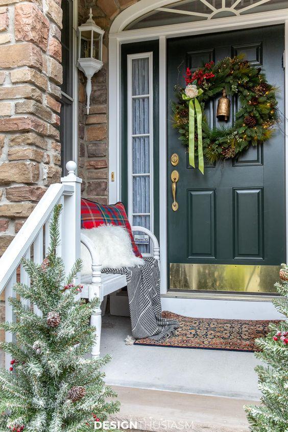 entry door christmas decoration