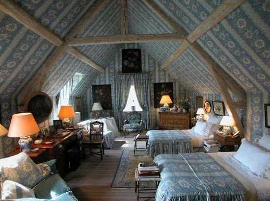 beautiful italian-style bedroom
